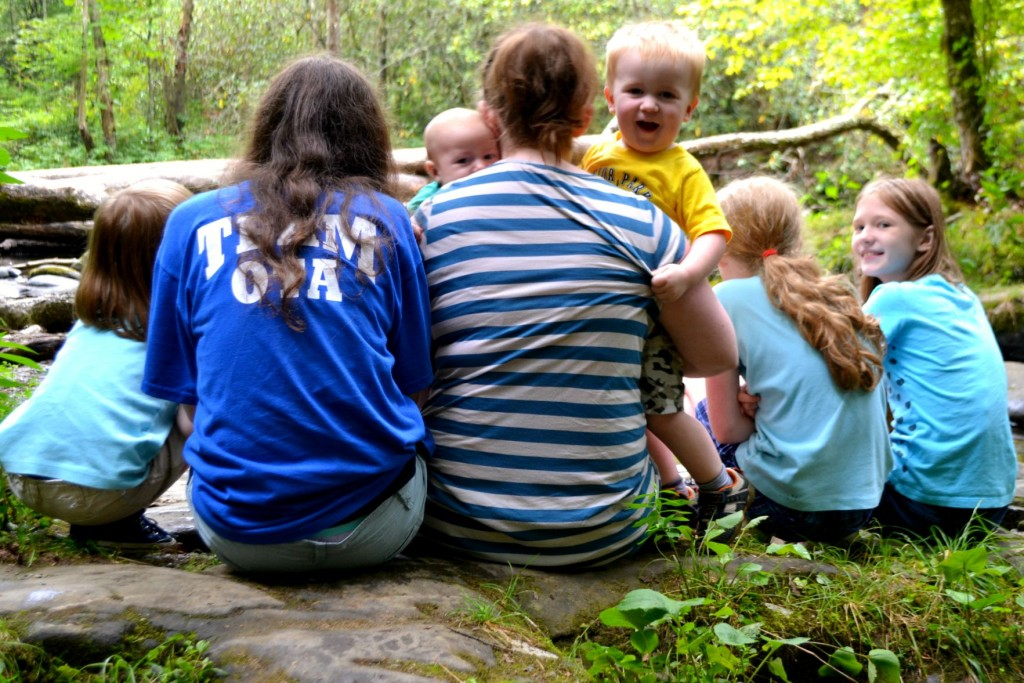 mom and kids in smoky mountains