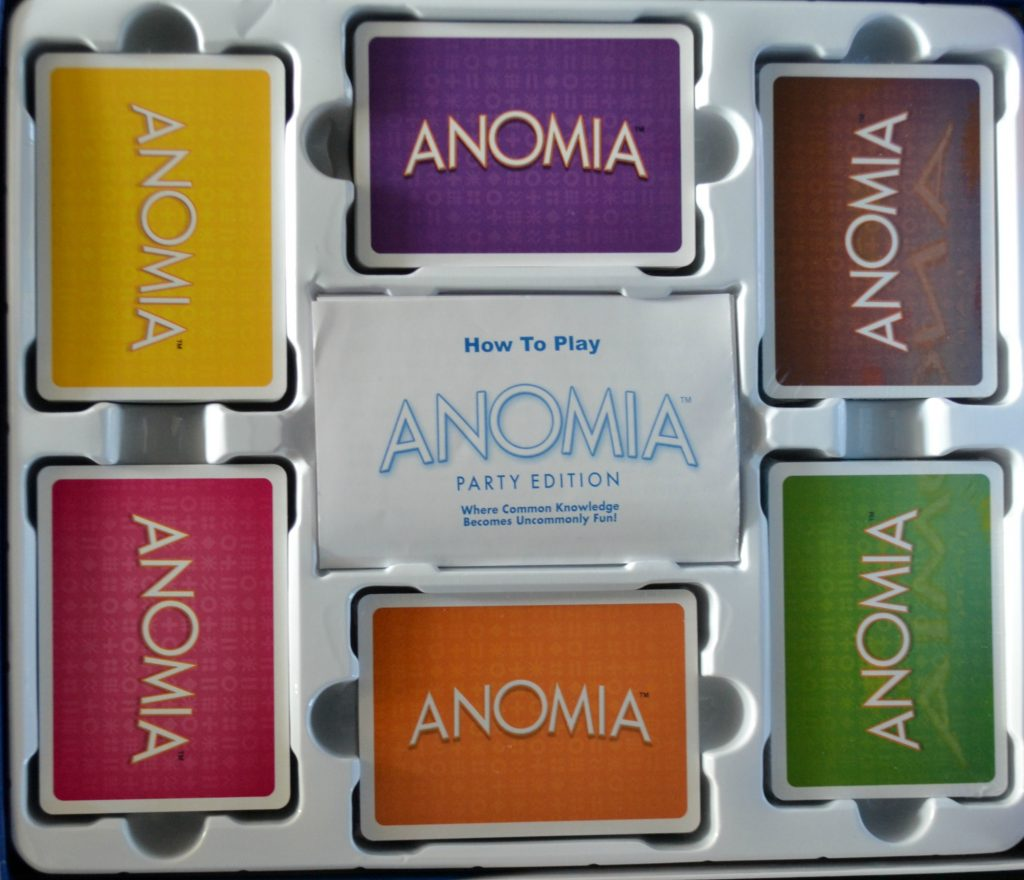 anomia cards in box